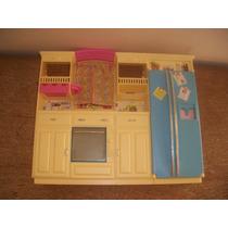 Cozinha Da Barbie Mattel Ano 2002 -- Tamanho 32 X 26 X 6 Cm