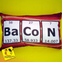 Travesseiro Bacon | 22 X 32 Cm | Divertida | Nerd | Geek