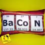Travesseiro Bacon | 22 X 32 Cm | Divertida | Nerd | Geek