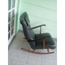 Cadeira De Balanço Zanine Caldas Anos 50 Em Pau Marfim