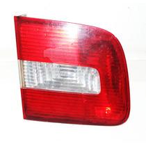 Lanterna Tampa Traseira Lado Esquerdo Polo Sedan 2003 / 2007