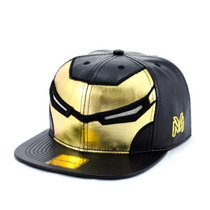 Bone Aba Reta Young Money Snapback Iron Ouro