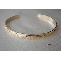 Bracelete Oval Aberto Com Detalhe Diamantado Galle
