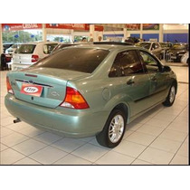 Lanterna Ford Focus Sedan 2001/04 Cada