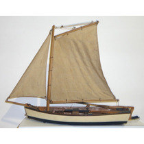 Antiga Miniatura De Barco A Vela Toda Em Madeira