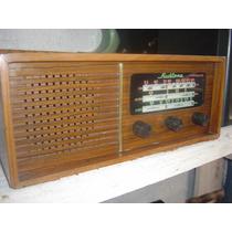 Radio De Madeira Anos 60 Impecável Funcionando!