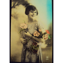 Frete Grátis: Cartão Postal / Dama Com Flores Coloridas