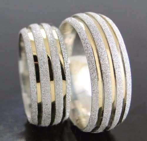 Par De Alianças Prata Namoro Diamantada 8mm 3 Filetes Ouro 561ec1ae0f4cf