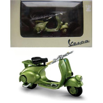 Vespa 125 1948 - Escala 1/32 New Ray Diecast
