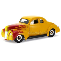 Ford 1940 Deluxe Hot Road 1:18 Universal Hobbies Uh3807