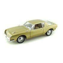 Miniatura Signature Models 1:18 - 1963 Studebaker Avanti