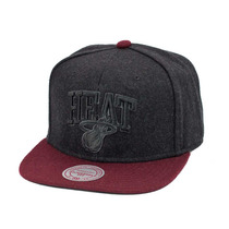 Boné Mitchell And Ness Snapback Miami Heat Time Out