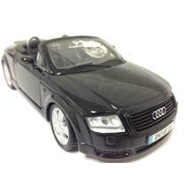 Miniatura Audi A8 Escala 1:24 Die Cast