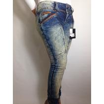Calça Jeans Feminina. Marca Moikana