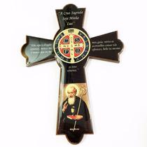 Crucifixo Medalha São Bento Madeira Parede Resinado E Oração