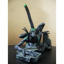 Estatua Alien Vs Predador Em Resina 25cm Raridade Promoção