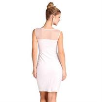 Vestido Branco Com Lindo Decote Tule