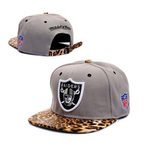 Boné Strapback Oakland Raiders Leopardo Nfl Mitchell & Ness