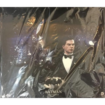 Hot Toys Batman + Bruce Wayne Batman Returns Michael Keaton
