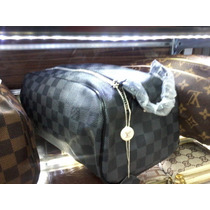 Bolsa Necessaire Importada Louis Vuitton - Já No Brasil