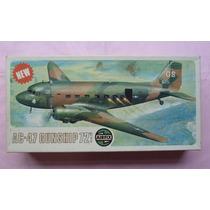 Douglas A C 47 Gunship Maquete Aviao Plastimodelismo 1/72