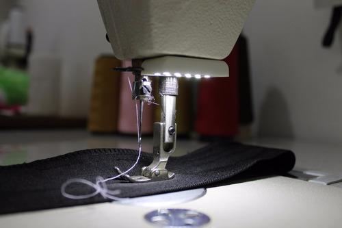 Luminaria De 6 Led Maquina Costura Industrial Reta Galoneira