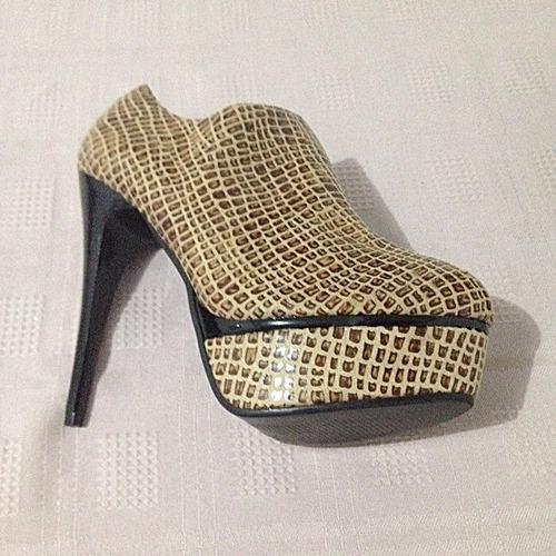 c0bf76f06 Sapato Feminino Semi Novo Salto Alto Importado - 025