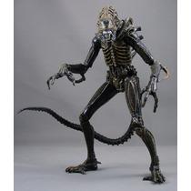 Neca Aliens Series 5 Black Xenomorph Warrior