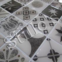 Pastilhas Adesivas Decoradas Placa Com Relevo E Fundo Branco