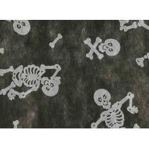 Toalha De Tnt Retangular Caveira Fundo Branco 1,40m X 2,00m