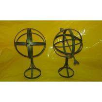 Escultura Globo Com Flecha Em Ferro 28 X 30 Cm - Fv