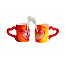 Conjunto 2 Canecas Love Is In The Air Com Colher