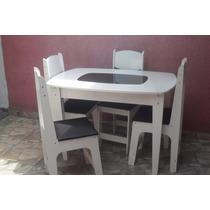 Mesa Com Quatro Cadeira