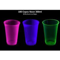 Kit 100 Copos Neon 300ml Brilha Escuro Luz Negra - Atacado