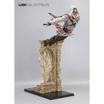 Assassins Creed Ezio Leap Of Faith 39cm Statue Action Figure