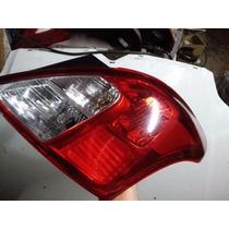 Lanterna Nissan Versa