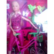 Boneca Ciclista Articulada Com Patins E Vestido Extra
