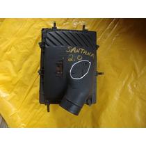 Caixa De Filtro De Ar Do Santana 2.0 Com Detalhe Quebrado