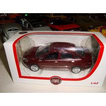 Miniatura Fiat Linea Esc. 1.43 Original Fiat