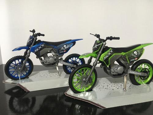 26c2a8d0204 Kit 02 Motos Cross Usual Brinquedos Promoção. R  41.99