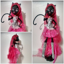 Boneca Monster High Catty Noir 13 Wave 1 Barata! 24