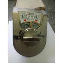 Máquina De Bolinhas, Vending Machine,catraca 4 Reais Mb 64