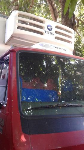 CAMINHAO VW8120 BAÚ CAMARA FRIA