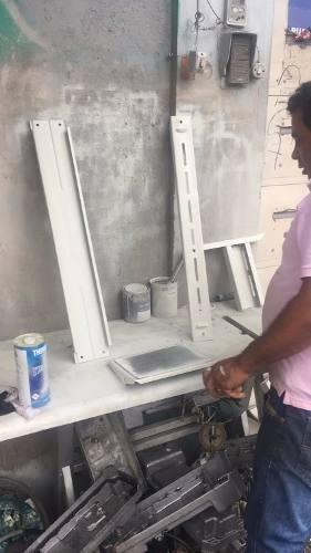 Máquina De Costura Reta Industrial Com Pé De Ferro E Motor