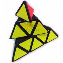 Cubos Mágicos Pyraminx + 4x4x4 + 2x2x2