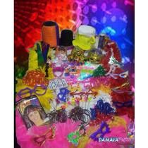 100 Piscas+100 Óculos+300 Neon+1 Copo Pisca+1 Pluma Luxo