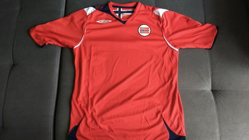 Raridade  Camisa Oficial Umbro Da Seleção Da Noruega 5712b1c214faf