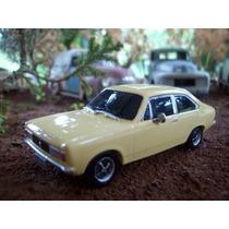 Miniatura Dodge Polara Farol Quadrado Escala 1:43 Resina
