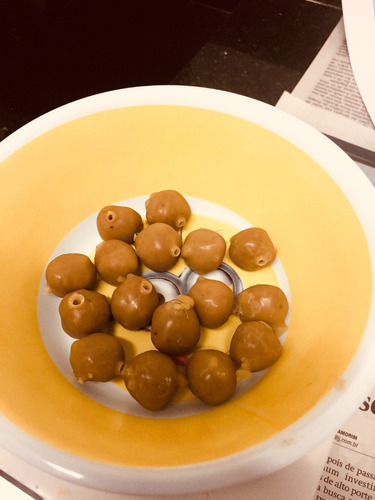 Bombons De Pólen Para Alimentação De Abelhas Nativas (medio)