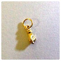 Pingente Mini Figa De Ouro 18k P/ Bebê Proteção, Na Pulseira